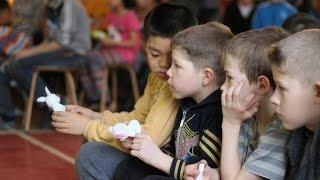 Визит в школу-интернат с детьми с физическими и умственными отклонениями VlogЧик