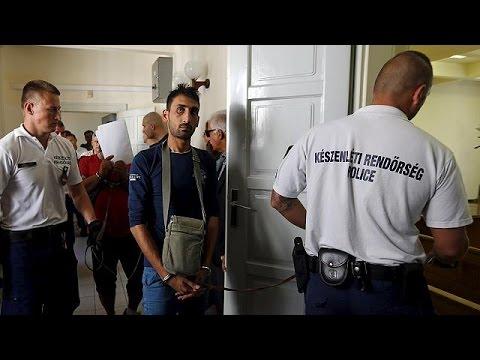 Полиция расследует гибель беженцев, задохнувшихся при перевозке в Австрии