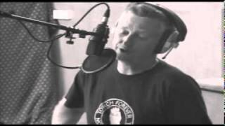 Billy Bragg - The Beach Is Free