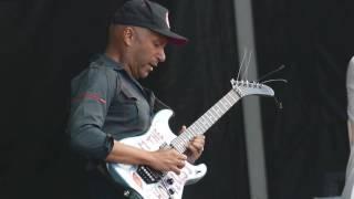 Tom Morello - Guitar Solo with X Ambassadors - Lollapalooza 2016 Chicago