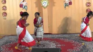 Dance performance with bengali folk song (Santali Music) Tu Kene Kada Dili