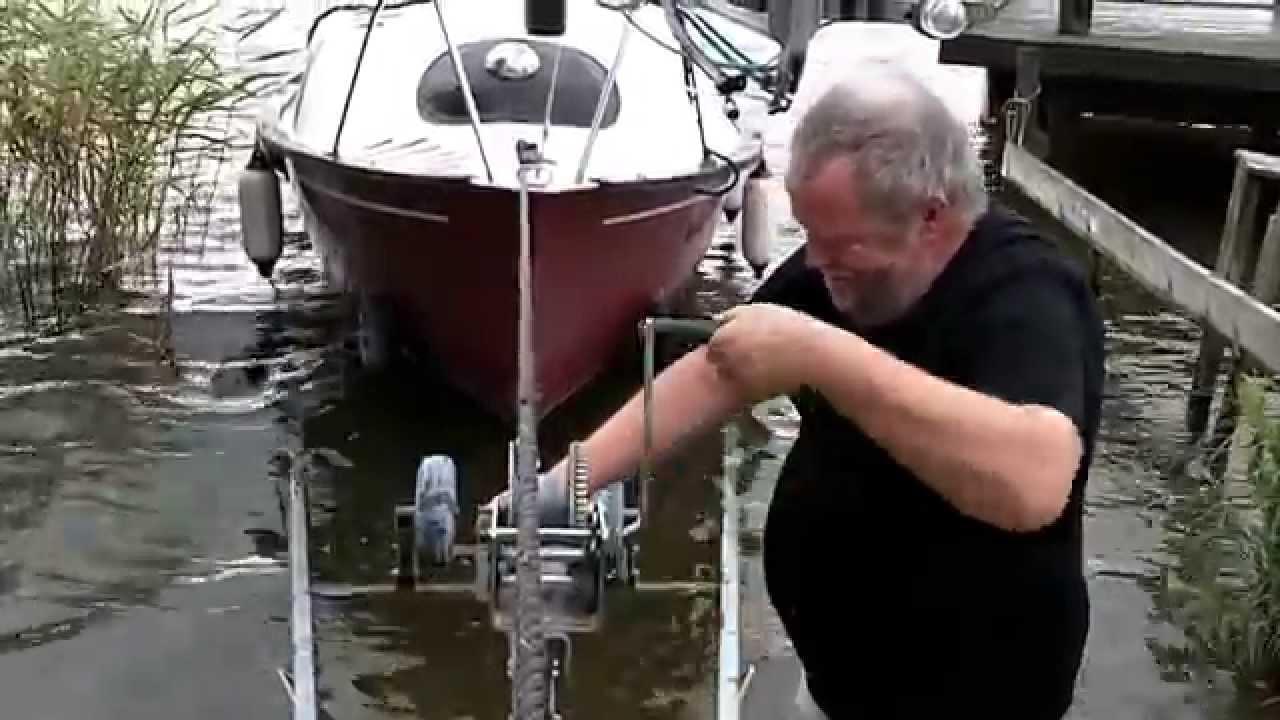 Mirror offshore diesel yacht part 7 2012 hibernation youtube for Mirror yacht