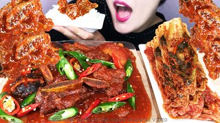 Do you like spicy braised short ribs? Especially, I put a lot of garlic and soft peppers in it and made it very spicy. It's very spicy, but it's a taste that relieves stress.