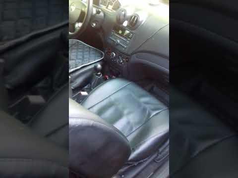 Складываем задний ряд сидений Chevrolet Aveo T255