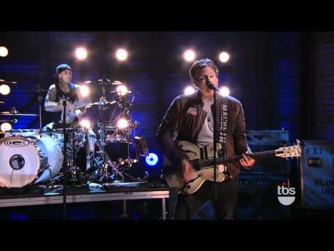 Blink 182 - After Midnight Live Conan 2011 - HD