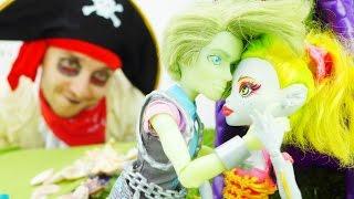 Энгри Бердз (Angry Birds) в видео для детей: Спасение куклы Лагуна Монстр Хай!