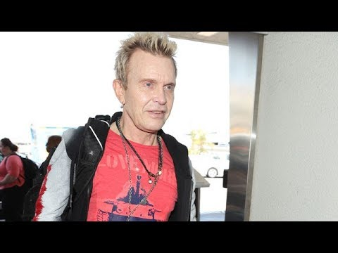 80's Icon Billy Idol Rushes Through LAX
