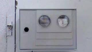 Accidente eléctrico con cajas de plástico