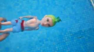 LA SERIE MH  CAPÍTULO 7 'Un día en la piscina'