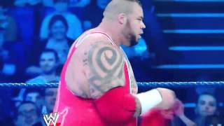 WWE SmackDown:Brodus Clayw/ Hornswoggle Vs Hunico 4/20/12