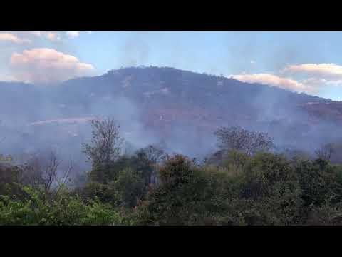 Incêndio atinge serra próxima a Santuário em Patu, no RN