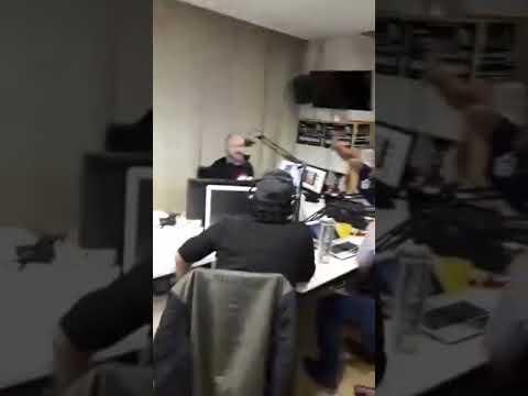 """ENTREVISTA A """"VALENGAITAS"""" EN RADIO CÓDIGO FM"""