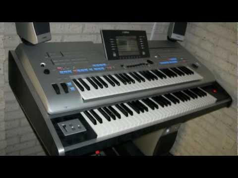 big tyros 4 2 x 61 keys with a tyros 4 with behringer. Black Bedroom Furniture Sets. Home Design Ideas