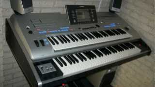 Repeat youtube video Big Tyros 4 (2 x 61 keys with a Tyros 4) with Behringer FCB1010 footcontroller