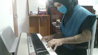 Sub-zero plays Mortal Kombat theme on piano