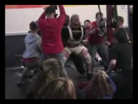 8 Women Who Are Squatting 400, 500, and 600+ lbs - BarBend