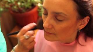 Приемы работы косметическими кистями, летний макияж на зрелой коже.(Тел. 89081723707 Летний лифтинг-макияж от Бирюлиной Светланы.Много нужных рекомендаций в коротком видео.Четкие..., 2014-07-27T04:34:50.000Z)