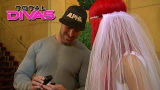 The Divas throw Eva Marie a bridal shower: Total Divas: Oct. 19, 2014