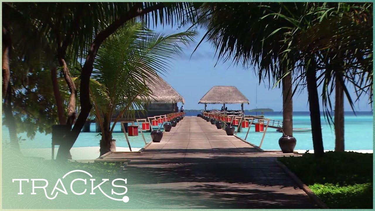 Pristine Beaches And Tropical Villas: Maldives Paradise | World Class | TRACKS