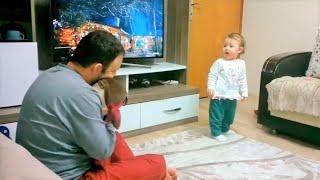 Babasını Oyuncak Niloyadan Kıskanan Bebek