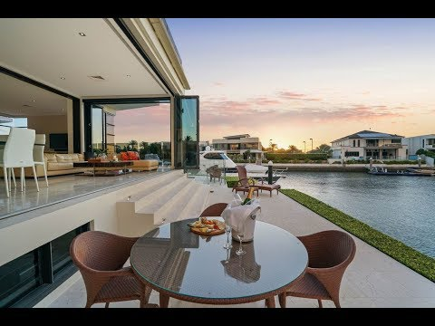 Waterfront Marvel in Sovereign Islands, Queensland, Australia   Sotheby's International Realty