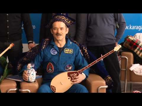 Expedition 35 Welcome Ceremony