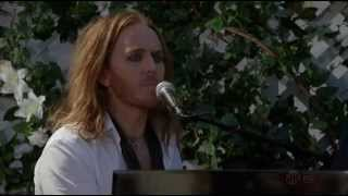 "Tim Minchin singing ""Shine a Light""  Californication 06x03"