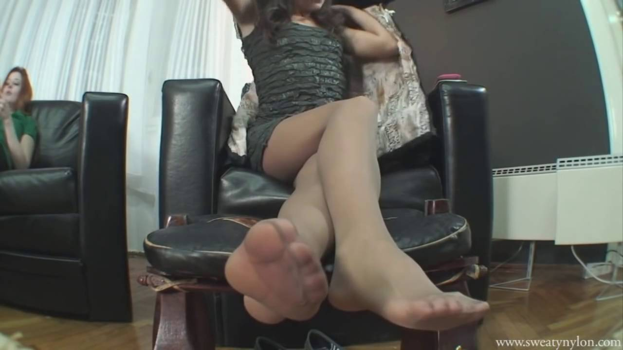 exquisite mature nylon feet