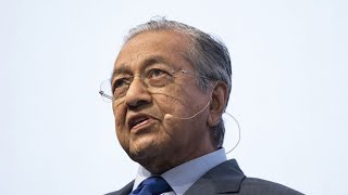 Mahathir Resigns in Malaysia as Power Struggle Boils Over