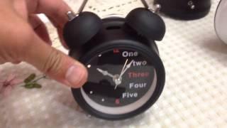 Reloj despertador retro num/ingles