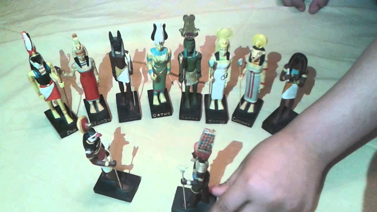 журнал с фигурками египетских богов