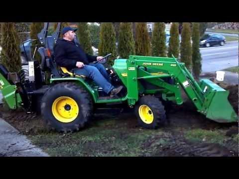 john-deere-4110-moving-dirt