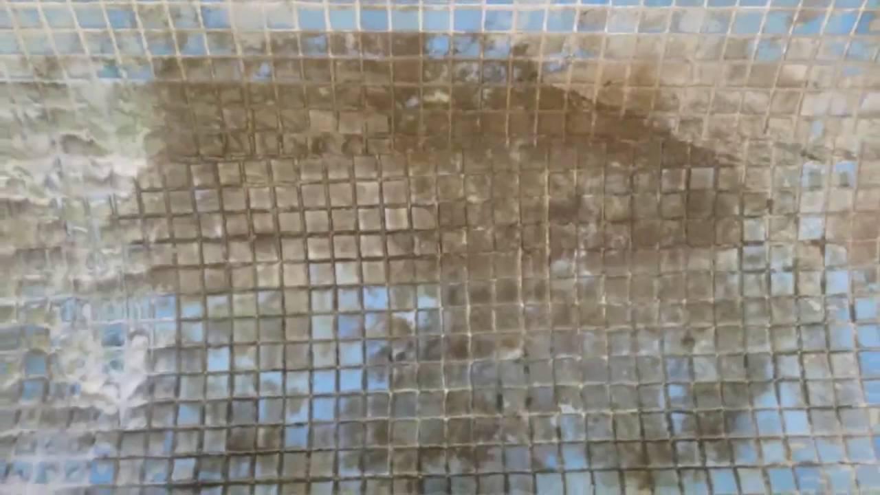 Mejor m todo para limpiar la piscina con cal youtube - Como quitar la cal de la mampara ...