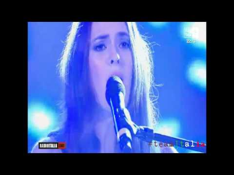 Francesca Michielin - Sola (Radio Italia Live 15.04.2016)