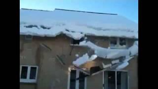 Почистил снежок )