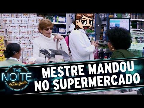 The Noite (11/11/15) - Mestre Mandou No Caixa Do Supermercado