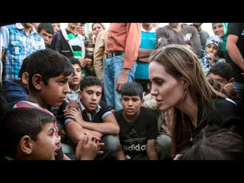 Space and Exchanges: Angelina Jolie and the crisis of refugees, avec script (niveau B1/B2)