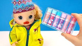 Фото СОНЯ ОБВЕТРИЛА ГУБЫ! Как Мама Дарит Помаду Для девочек Мультики Куклы Пупсики 108мама тв
