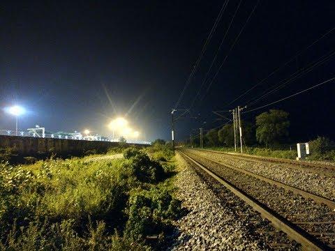 Indian Railways.. Rajdhani, Duronto & Superfast Trains Speeding past Rayaru throughout the night.!!