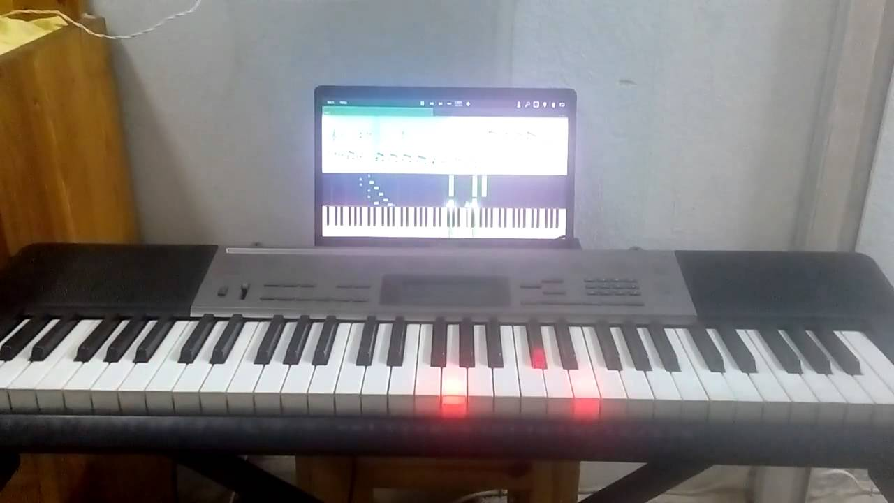 Playing Chopin's winter wind etude on Synthesia and the Casio lighted  keyboard LK 240
