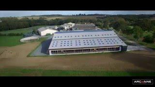 Clip de présentation d'une stabulation vache laitière en drone