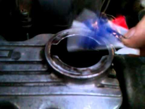 белый дым из маслозаливной горловины опель