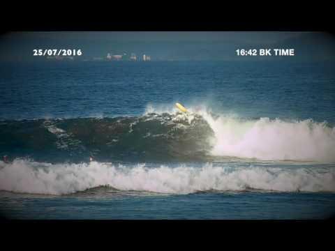 When the big wave time in Batu Karas