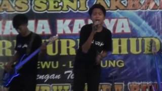 Download Lagu LaoNeis - Ayah Live Performance 2016.mp3
