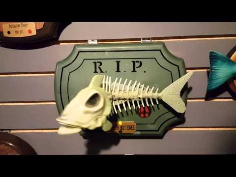 Big Mouth Billy Bones Singing Skeleton Fish (reupload)