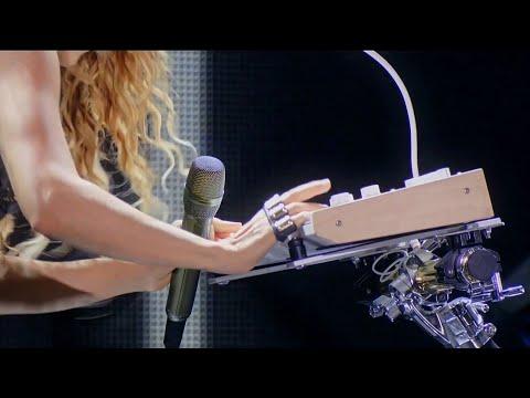 Download Shakira - Estoy Aquí/Dónde Estás Corazón Medley (Live In Concert El Dorado)