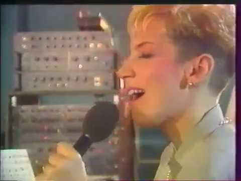 Eurythmics - Be Yourself Tonight Recording (Paris 1985)