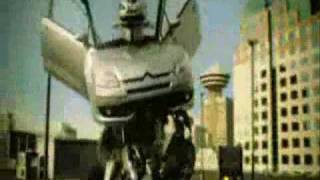 CiTRoeN C4 RoBoT  STaYiNG ALiVE -  Bee GeeS