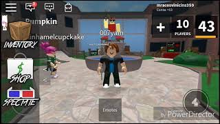 Played Roblox 😁😁😎