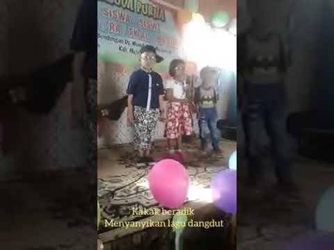Anak kecil umur 5 thun menyanyi lagu dangdut koplo lucu